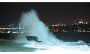 İstanbul Boğazı iki yönlü gemi trafiğine kapatıldı