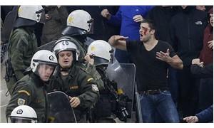 AEK - Ajax maçında polisle taraftarlar arasında arbede yaşandı