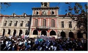İspanya'da sağlık ve itfaiye çalışanlarından protesto