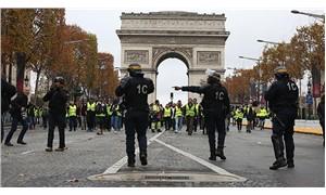 'Sarı yelekliler' Paris'te sokağa çıktı: Yüzü aşkın gözaltı