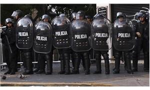 Arjantin'de kolluk kuvvetlerine 'vur yetkisi' verildi