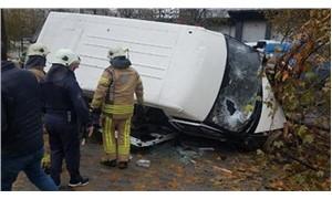 Servis minibüsü kaza yaptı: 14 işçi yaralı