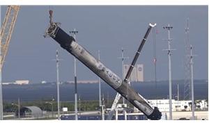 Space X'in roketi Falcon 9'un suya düşme anı görüntülendi