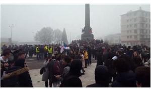 Fransa'da liselilerden 'Kara Salı' protestosu