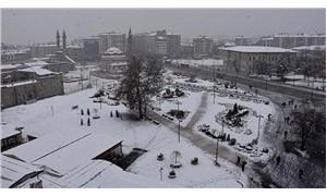 Sivas'ta kar yağışı nedeniyle 130 köy yolu ulaşıma kapandı