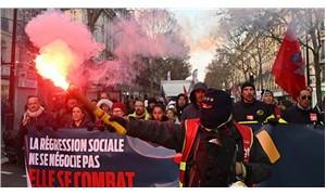 Paris'te öğrenciler ve çalışanlardan eylem