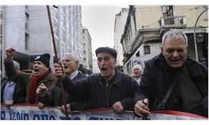Yunanistan'da 3 bin emekli hakları için sokakta