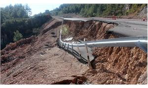 Antalya'da heyelan: Yeni yapılan duble yol çöktü