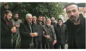 Fatih Portakal'ı portakal yiyerek protesto ettiler