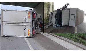 Pendik'te kamyonet devrildi: 1 yaralı