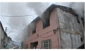 Yangın çıkan evde bir çocuk yaşamını yitirdi