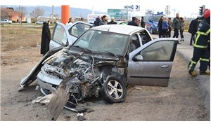 Aksaray'da yolcu otobüsü ile otomobil çarpıştı: 3 yaralı