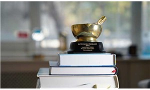 Egeli bilim insanı, eczacılık sektörünün en prestijli ödülünü aldı