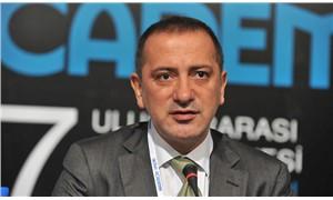 """Fatih Altaylı'dan Hürriyet'e: """"Gazete misiniz, devekuşu mu?"""""""