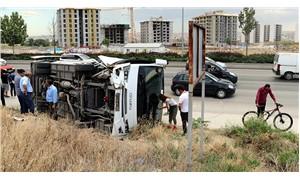 Ankara'da işçileri taşıyan servis aracı devrildi: 14 yaralı