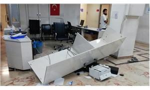 Antep'te hasta şiddeti: İstediği ilacı yazmayan doktora saldırdı, acil servisi dağıttı