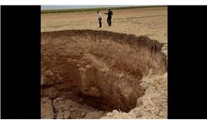 Afyon'da tarlalarda dev obruklar oluştu