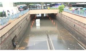 Unkapanı köprü altında biriken sudan bir kişinin cesedi çıktı