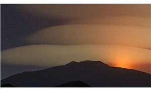 NASA, Etna Yanardağı'nın üstündeki korkunç bulutların görüntülerini paylaştı