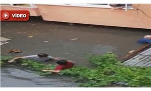 İstanbul'da su baskını: Canlarını zor kurtardılar