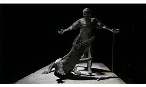 Bursaspor'un efsane 10 numarası, çelikten heykelle ölümsüzleştirildi