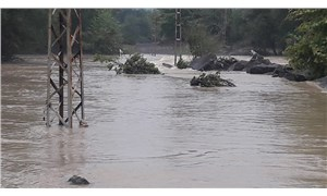 Zonguldak'ta sel: Evlerinde mahsur kalan 10 kişi kurtarıldı