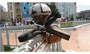 'Asma kilit akımı' Taksim Meydanı'nda