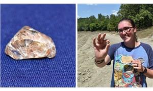 Parkta 3.72 karatlık elmas buldu
