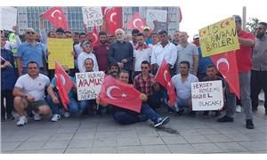 İBB önünde eylem yapan AKP'lilerden İmamoğlu'na 'terörist' göndermesi