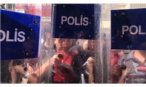 İzmir'de HDP'li vekillere polis ablukası