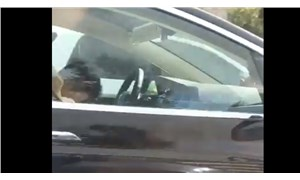 Tesla sürücüsü direksiyon başında uyurken yakalandı