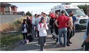 İstanbul Beylikdüzü'nde öğrenci servisi devrildi: 14 yaralı