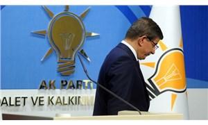 AKP Genel Başkan Yardımcısı'ndan Davutoğlu açıklaması: Güya kendi çapında ilkeli hareket edermiş gibi...