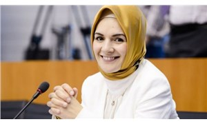 """Erdoğan'ın """"manevi kızı"""" olarak nitelendirilen Mahinur Özdemir, Cezayir'e büyükelçi olarak atandı"""