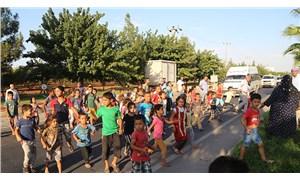 Okula gidemeyen mahallenin çocukları eylem yaptı: Okumak ve servis istiyoruz