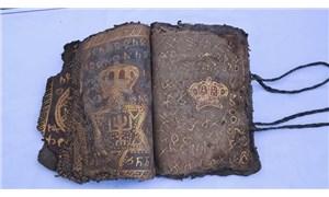 Diyarbakır'da İbranice işlemeli ferman ve altın işlemeli İncil ele geçirildi