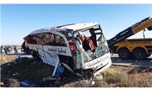 Afyon'da yolcu otobüsü devrildi: 2 yaşındaki çocuk hayatını kaybetti