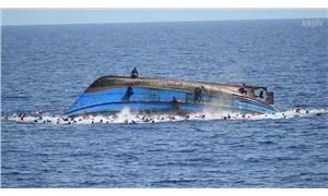 Hindistan'da gezi teknesi alabora oldu: 12 ölü