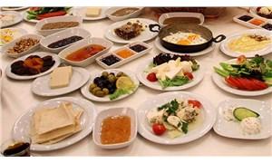 Serpme kahvaltı yılda 100 milyar lira gıda israfına neden oluyor