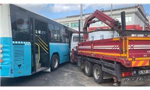 Ümraniye'de kamyon otobüse çarptı: 9 yaralı