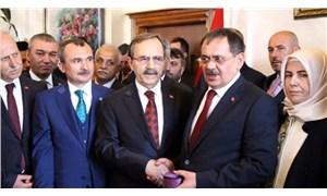 AKP'li başkan AKP'li eski başkanın yaptığı maaş zammını iptal etti