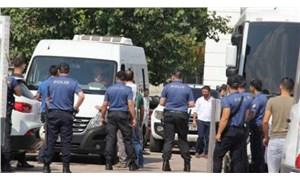HDP'de serbest, AKP'de yasak: AKP Diyarbakır il binası önüne giden annelere gözaltı!