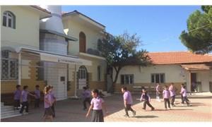 Okul inşaatı bitmedi, çocuklar konteynerlerde eğitim görüyor
