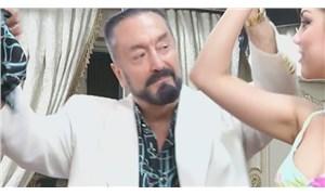 Oktar: Dekolteli hanımların da Müslüman olacağını göstermek istiyordum