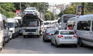 'Servis işgali' trafiği felç ediyor