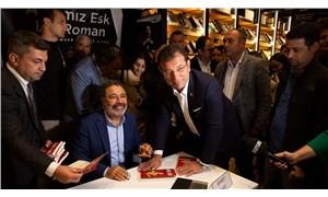 Ahmet Ümit'in imza gününde sürpriz konuk