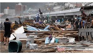 Japonya'da 'Tapah Tayfunu' alarmı: 270 uçuş iptal edildi