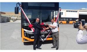 AKP'li belediye öğrenci servisi vermeyince CHP'li belediye otobüs yolladı