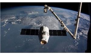 BAE'nin ilk astronotu için özel rehber: Uzayda nasıl namaz kılacak?
