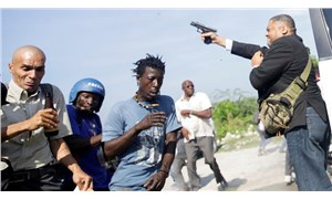 Haiti'de milletvekili, gazeteciyi kafasından vurdu